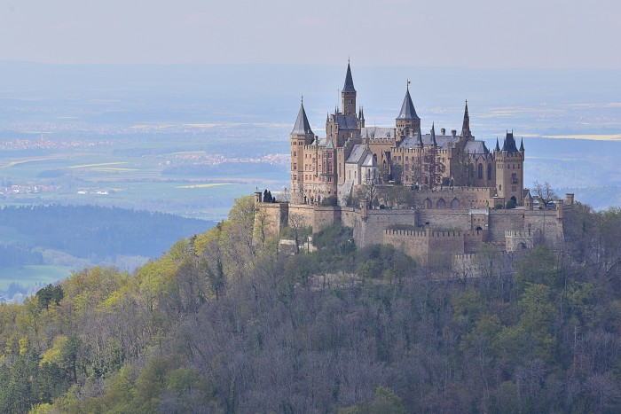castle-2004073_1920
